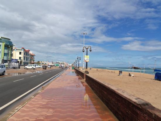 Πουρί, Ινδία: New Marine Drive Puri after a shower