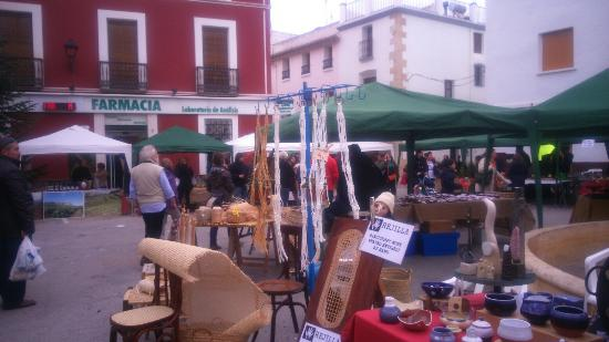Costa Blanca, Espagne : Jalon city.bodegas y market saturday
