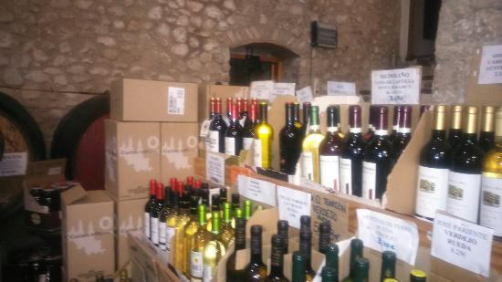 Costa Blanca, España: Jalon city.bodegas y market saturday