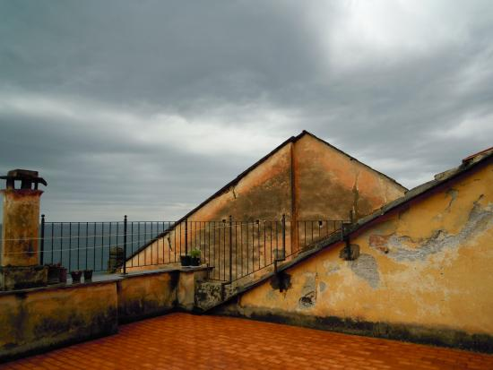 tetti e terrazze sul golfo - Foto di Centro Storico di Cervo ...