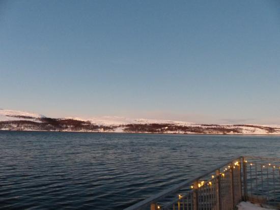 Thon Hotel Kirkenes: vue depuis le rez de l'hôtel
