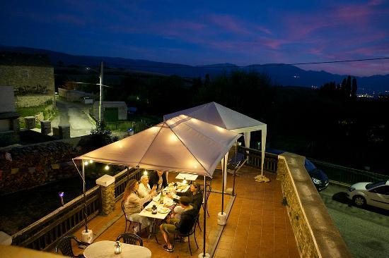 Disi Sioul : dîner sur la terrasse
