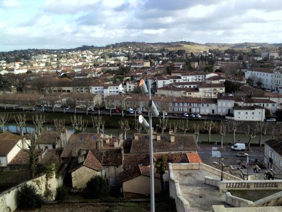 Castera-Verduzan, Francia: IMG_20160102_143851_large.jpg