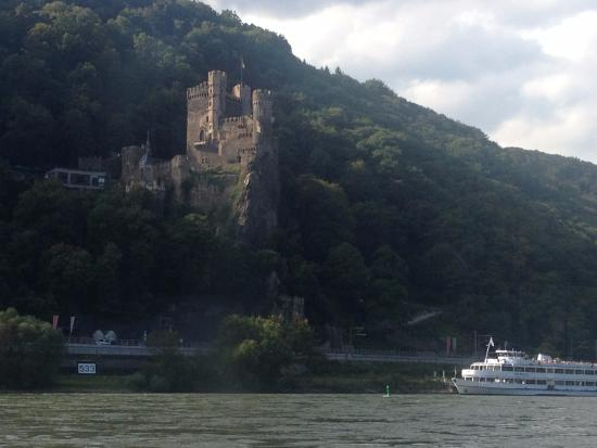 Trechtingshausen, Almanya: The Rhinestein Castle