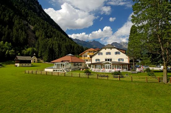 Photo of Hotel Bad Salomonsbrunn Rasun Anterselva