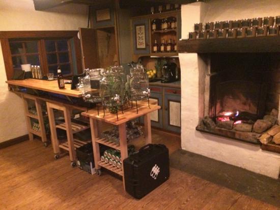 Tivedstorp - STF Vandrarhem: The bar in the barn
