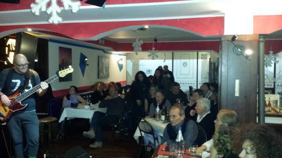 Sax Pub Cafe