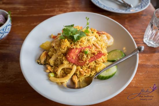 pineapple fried rice picture of jinda thai abbotsford. Black Bedroom Furniture Sets. Home Design Ideas