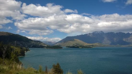 Nomads Queenstown Backpackers: x