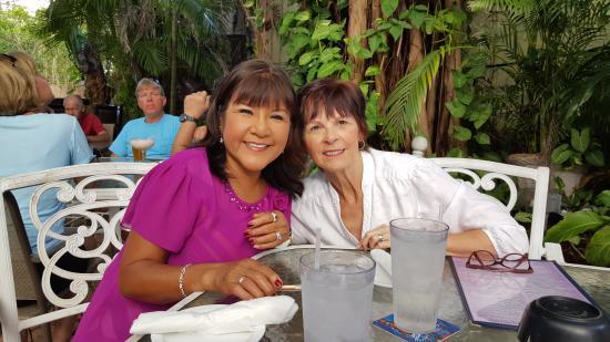Jensen Beach, FL: Miss Mary & Miss Margie at Crawdaddy's