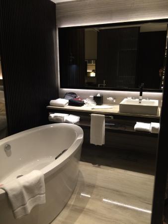 Salle De Bain Douche Italienne Et Baignoire Photo De Sheraton - Salle de bain italienne photos