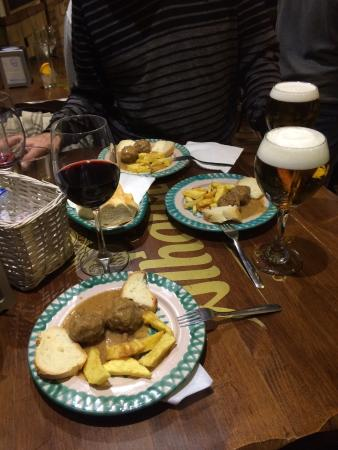 Province of Granada, Espagne : albóndigas con patatas