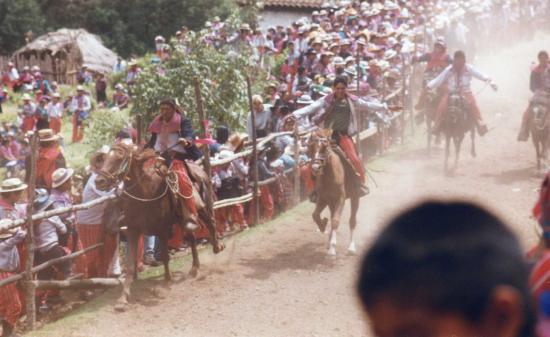Todos Santos, Guatemala: coursede chevaux