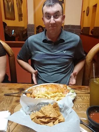El Charro Cafe : burrito for all...