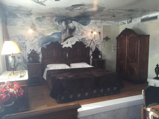 Leventis Art Suites: The anniversary suite