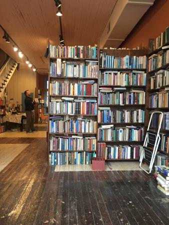Crescent City Books