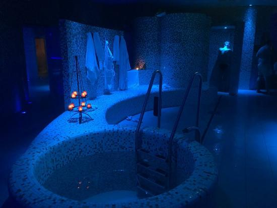 Uno dei bagni termali - Picture of Thermalp Ovronnaz, Ovronnaz ...