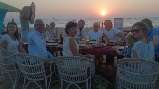 Aggie's Cafe: Sun set table