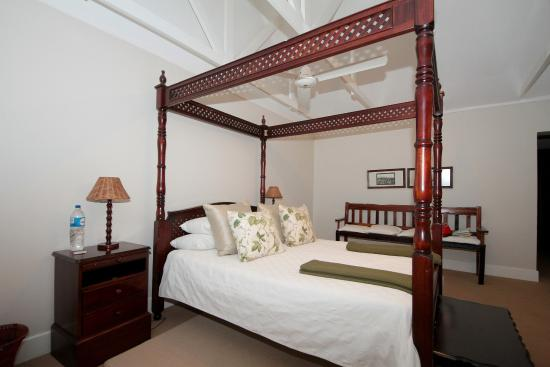 Umdoni: Bedroom of the Phondo suite.
