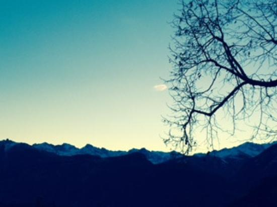 Salvan, Ελβετία: Traumhafte Aussicht auf die Berge
