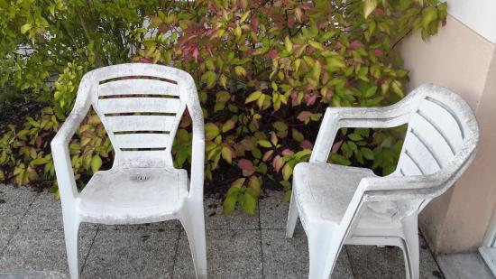 Chaises de jardin picture of lagrange prestige residence - Les jardins renaissance lagrange prestige ...
