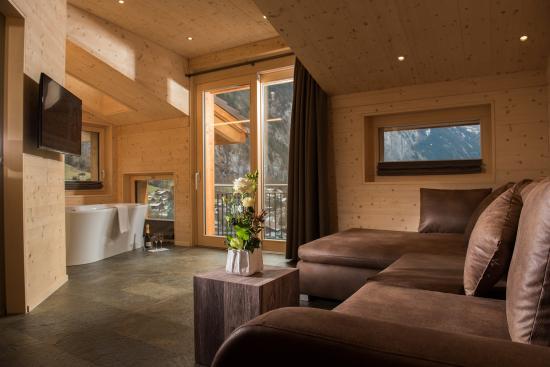 Hotel Silberhorn: Top Suite Wohnraum/living area
