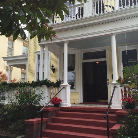 Azalea Inn & Villas: photo1.jpg