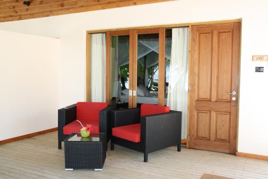 Vilamendhoo Island Resort & Spa: Terasse