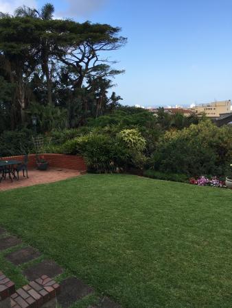Ridgeview Lodge: View from veranda