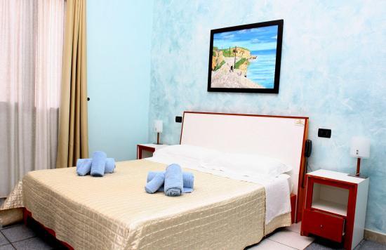 Camera da letto Suite, Materasso King Size - Picture of Hotel Alba ...