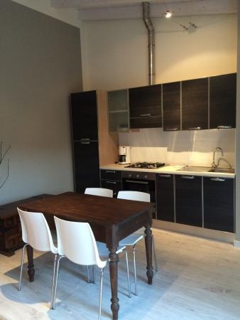 Villa Costantina: Küche einer Wohnung