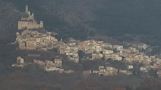 Roccacasale, อิตาลี: VISUALE DALLA CAMERA
