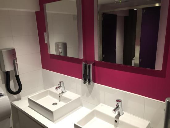 Bathroom Picture Of Safestay London Holland Park London