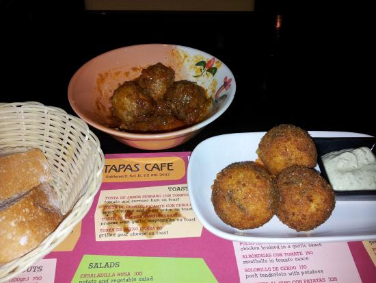 Tapas Cafe: Dinner selections