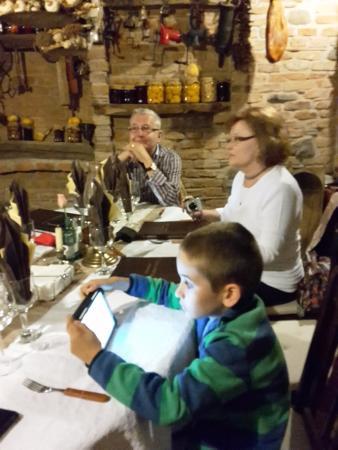 Danes, โรมาเนีย: wine cellar