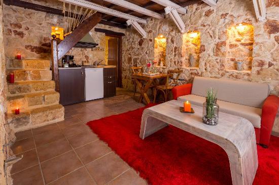 Villa Verekinthos: smal livingroom