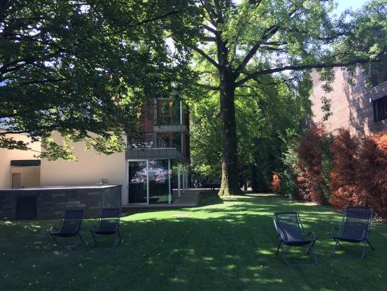 Hotel picture of casa sull 39 albero malgrate tripadvisor - Casa sull albero airbnb ...