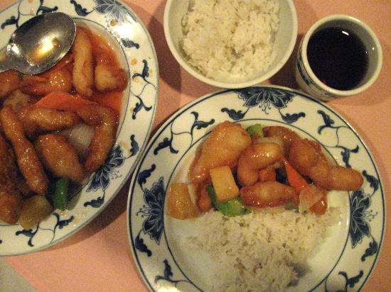 Szechuan Garden : sweet and sour chicken