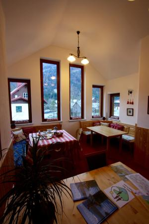 Haus Rye: Breakfast area.