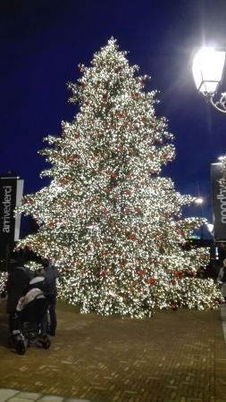 Merry Christmas! - Picture of Noventa di Piave Designer Outlet ...