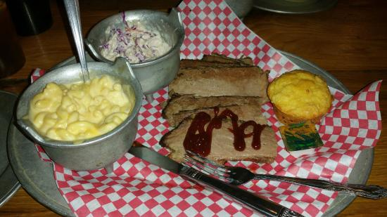 Sharks Roadhouse: brisket, mac-n-cheese, and coleslaw