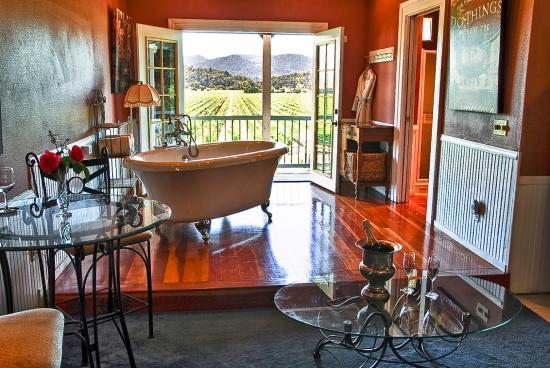 Cloverdale, Californië: Montrachet Suite Jacuzzi