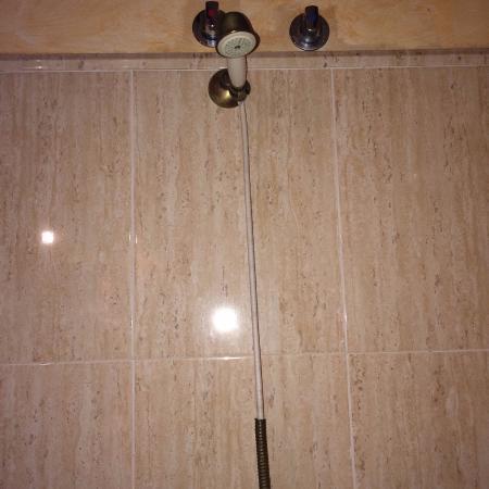 Hotel Casona de la Torre: Mango de ducha roto