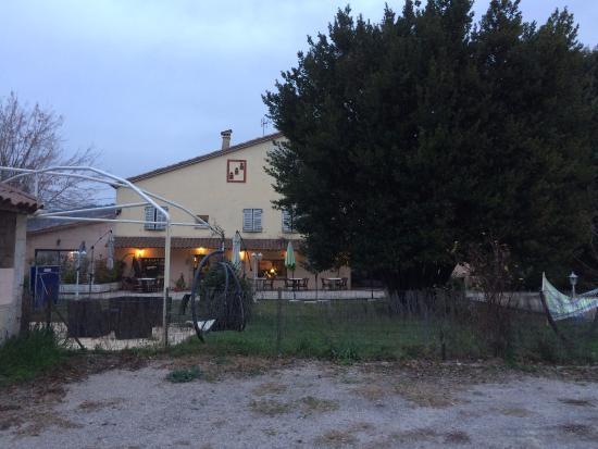 Callian, France: Vue extérieure de l'auberge