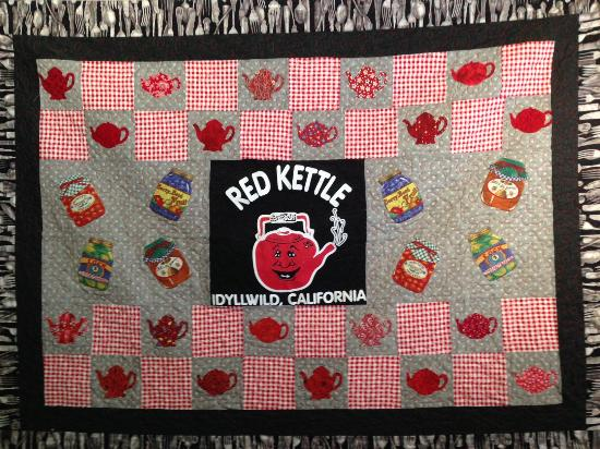 Idyllwild, CA: Red Kettle quilt