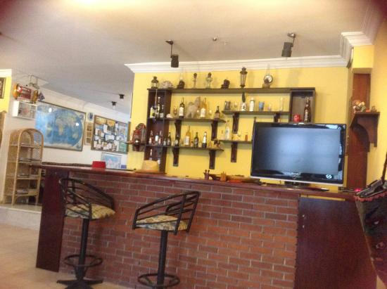 Mr Happy's - Liman Hotel: Bar & TV Area