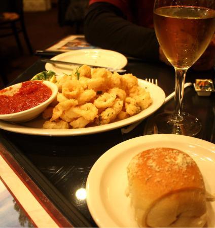 Joe's Pasta: calamari & bread