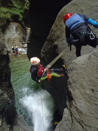 Extreme Dominica Canyoning & Adventure Tours: Chacho rappelling