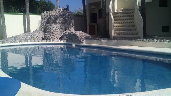 Villas Coco Resort: hotel pool