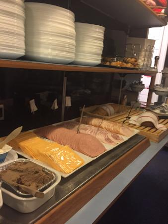 Saga Hotel : breakfast